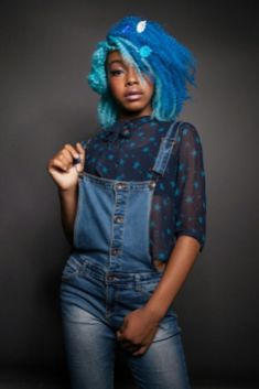 summer_hairstyles_blackwomen_blue-natural-hair