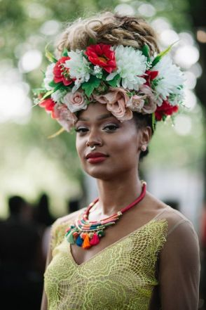 summer_hairstyles_blackwomen_flower_crown