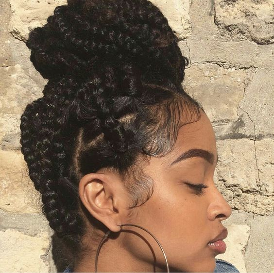 summer_hairstyles_blackwomen_jumbo-braids-bun
