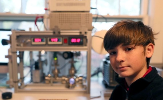 13-летний подросток в своей комнате самостоятельно собрал термоядерный реактор 12