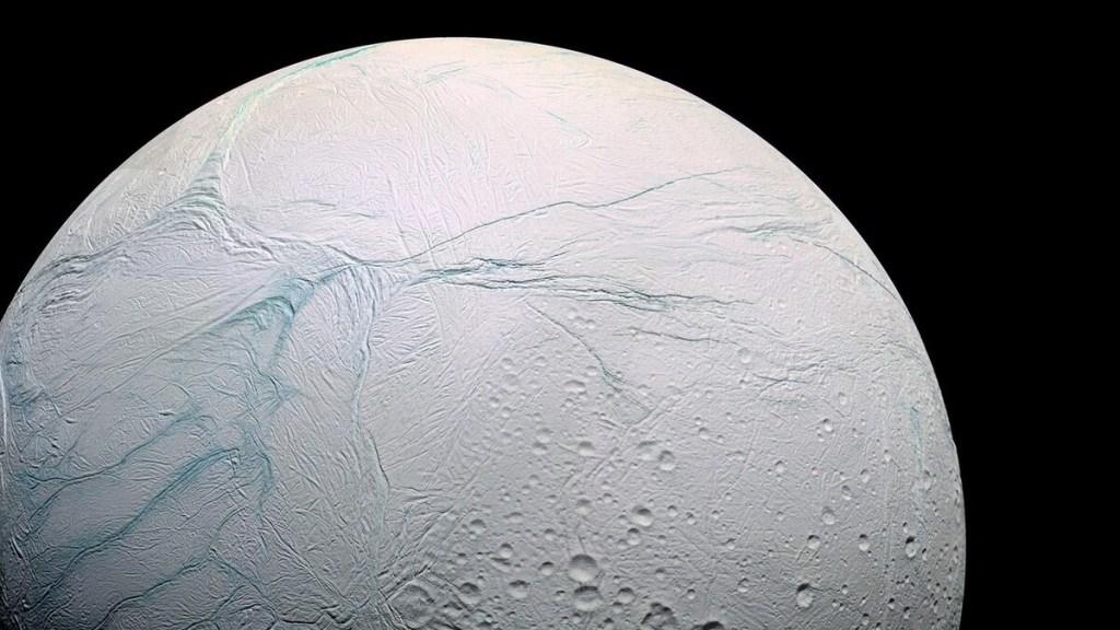 На спутнике Сатурна нашли источник жизни 2