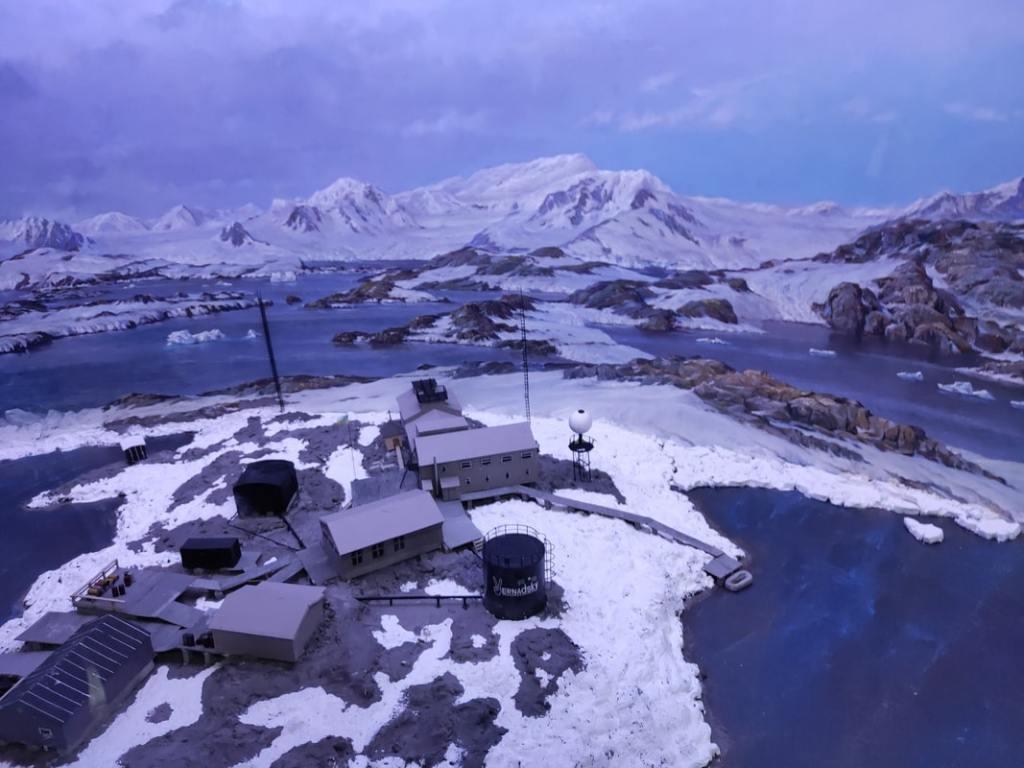 Начальник Антарктической экспедиции Юрий Отруба: «Едем обслуживать приборы» 19