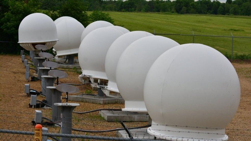 Как выглядят антены для интернета Starlink 2