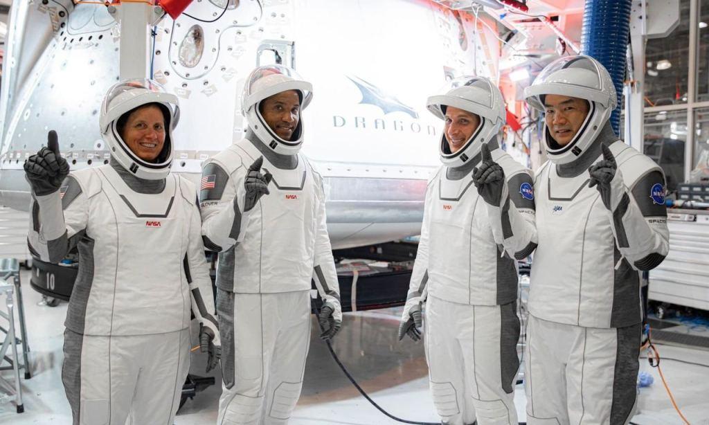 Следующий полёт Crew Dragon с космонавтами на борту состоится в конце октября 3