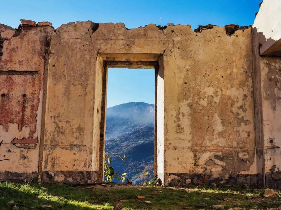 Maisons délabrés Gairo Vecchio