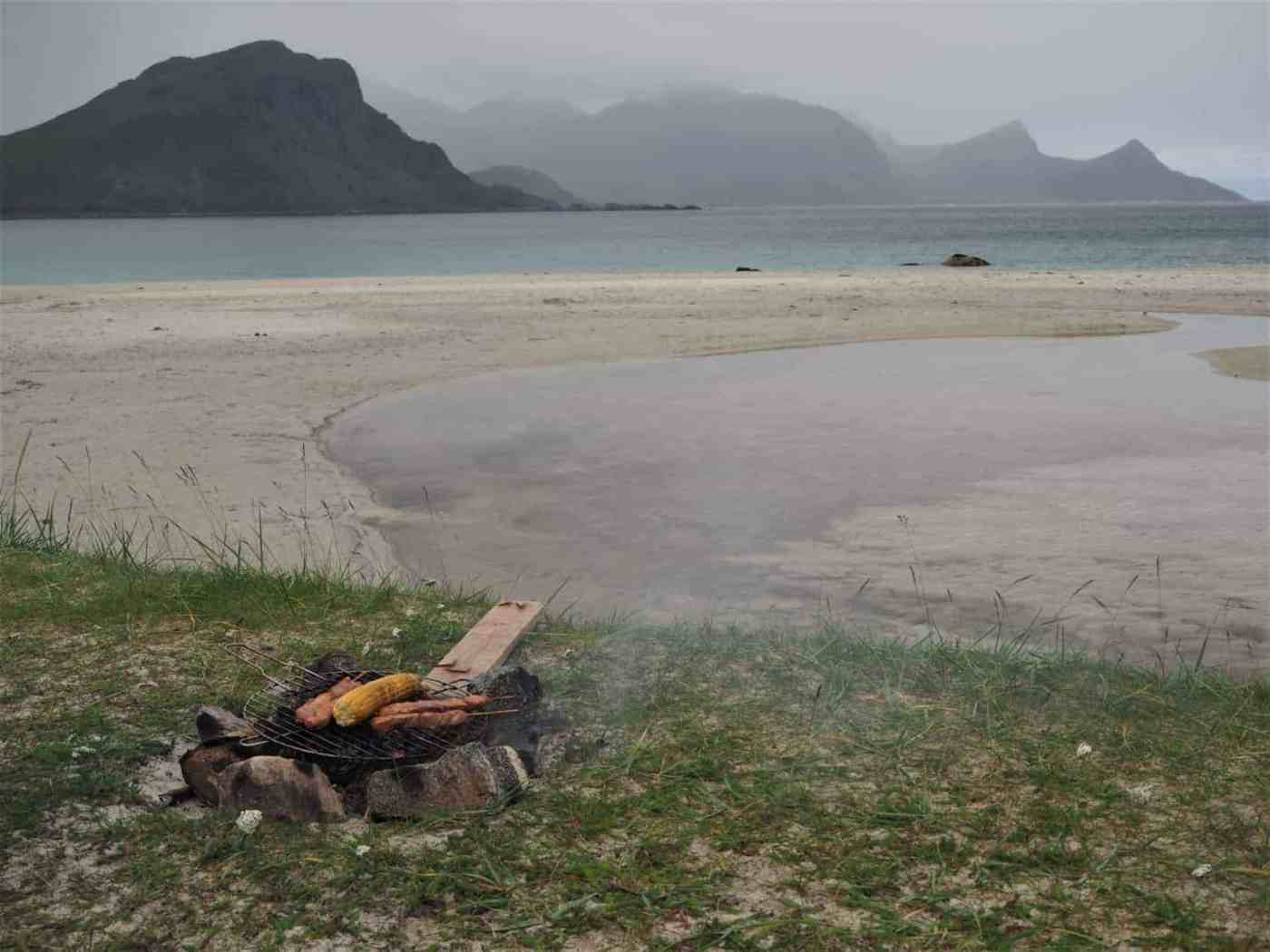 repas à cuire au feu, bivouac lofoten pique-nique