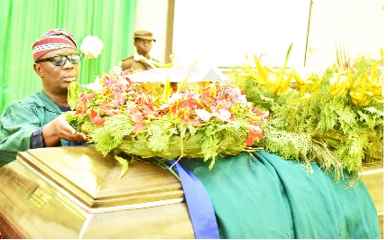 Deputy Vice-Chancellor (Development), Prof. Clement Adeofun, who stood in for the Vice-Chancellor placing a wreath, as a sign of last respect for the late Prof. Siaka Momoh.