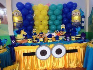 mesa dulce con globos