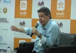 Encuentro con autor «Soñamos que vendrían por el mar» Juan Diego Mejía.