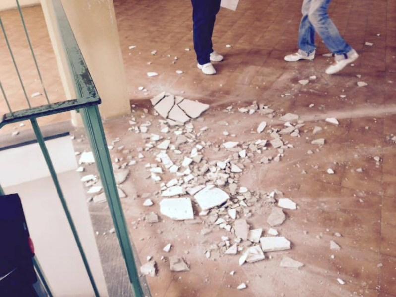 Il Governo (a guida PD) e i suoi amministratori locali fanno cadere a pezzi la scuola pubblica