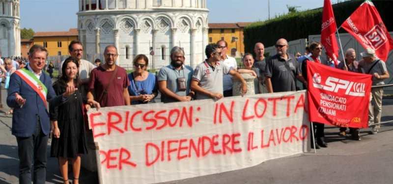 Ericsson, avviata procedura per altri 315 esuberi: a rischio i lavoratori di Pisa già costretti a trasferirsi a Genova