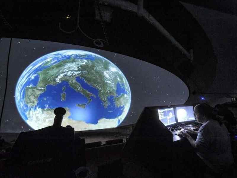 Interpellanza: Sospensione attività Planetario per scolaresche