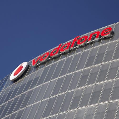 """Accordo """"Vodafone"""": servono garanzie per il futuro del sito pisano"""