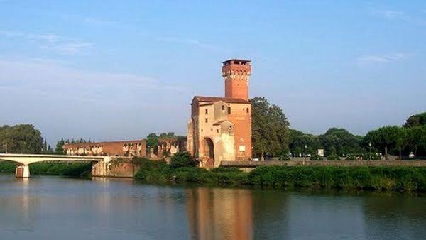 Vecchi Macelli e Cittadella si usino per eventi culturali: no alla mercificazione degli spazi pubblici