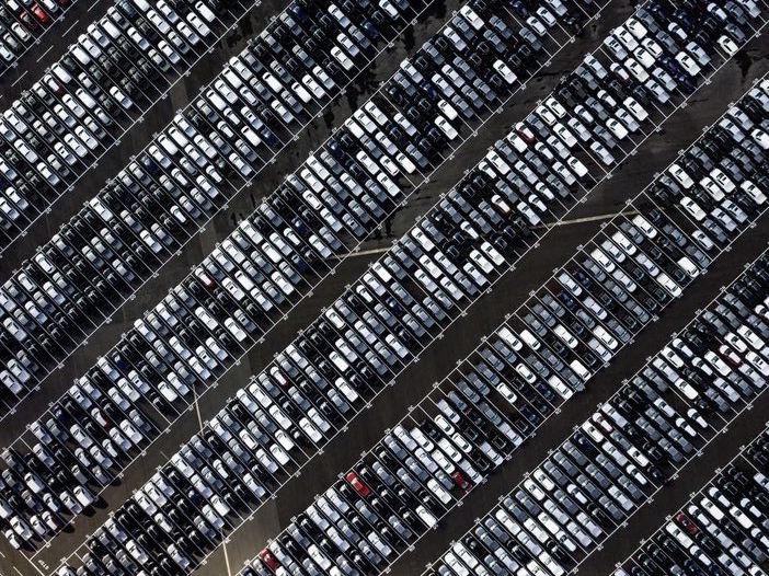 PUMS: una città a misura di parcheggio, tra cementificazione e inquinamento