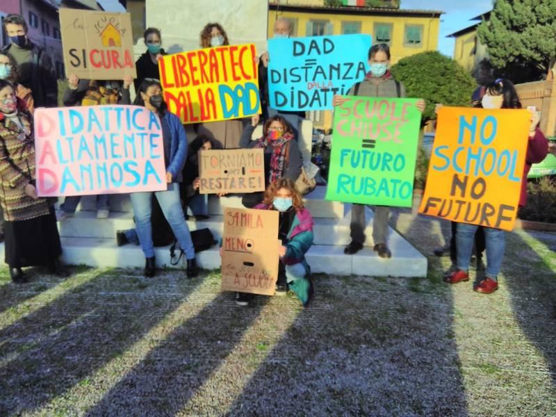 In movimento per una scuola sicura in presenza. Sabato 16 gennaio manifestazione davanti al Comune di Pisa