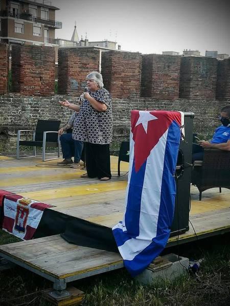 No al bloqueo contro Cuba. Aleida Guevara a Livorno