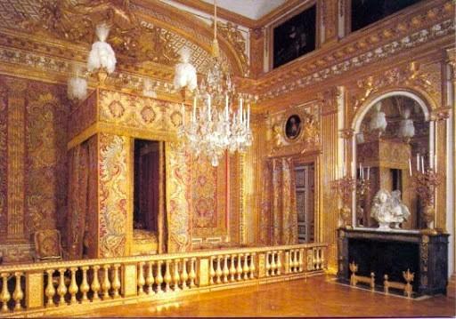 Versalles el gran palacio del rey Sol  UNA HISTORIA CURIOSA