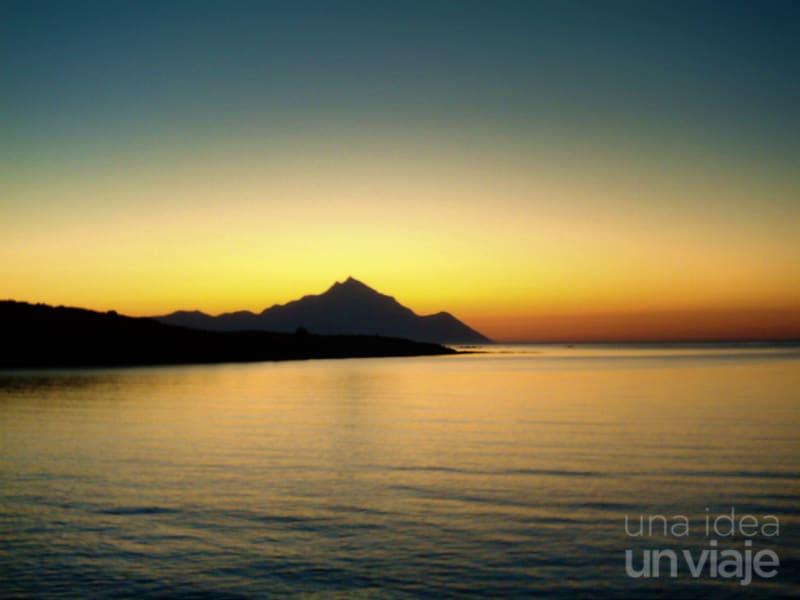 Amanecer sobre el monte Athos