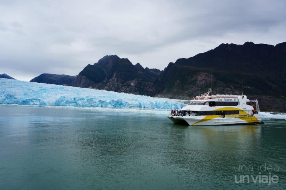 Navegación excursión al glaciar San Rafael