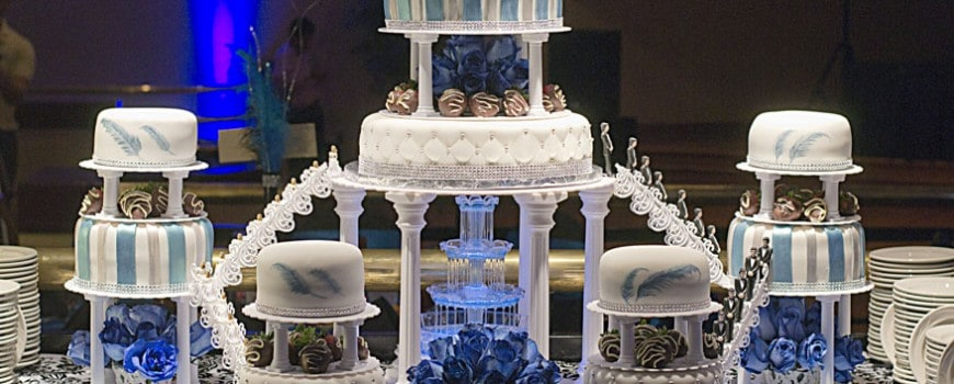 Blue Amp Silver Quince Cake With Fountain U Name It