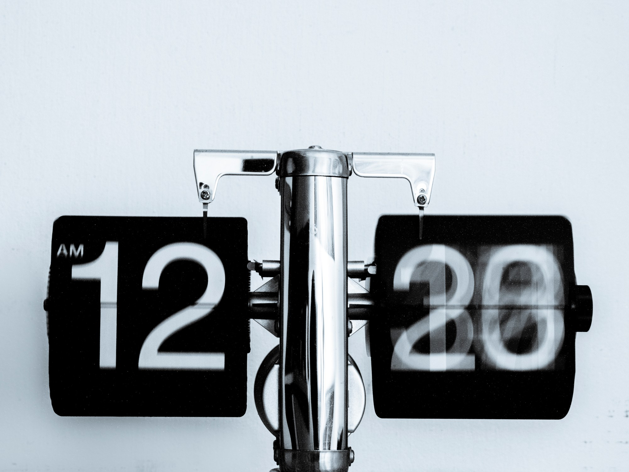 Signification des heures miroirs 11h11 12h12 13h13 14h14 for Heure miroir 06h06