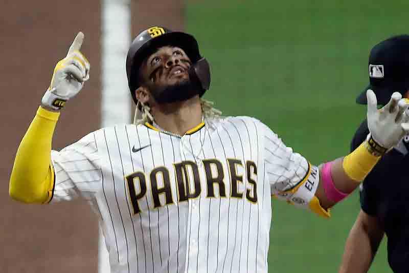 Latinos dominan la lista de playeras más populares en las Grandes Ligas