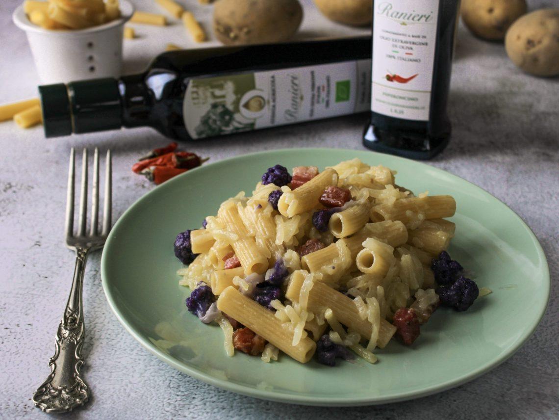 pasta e patate con cavolfiore viola