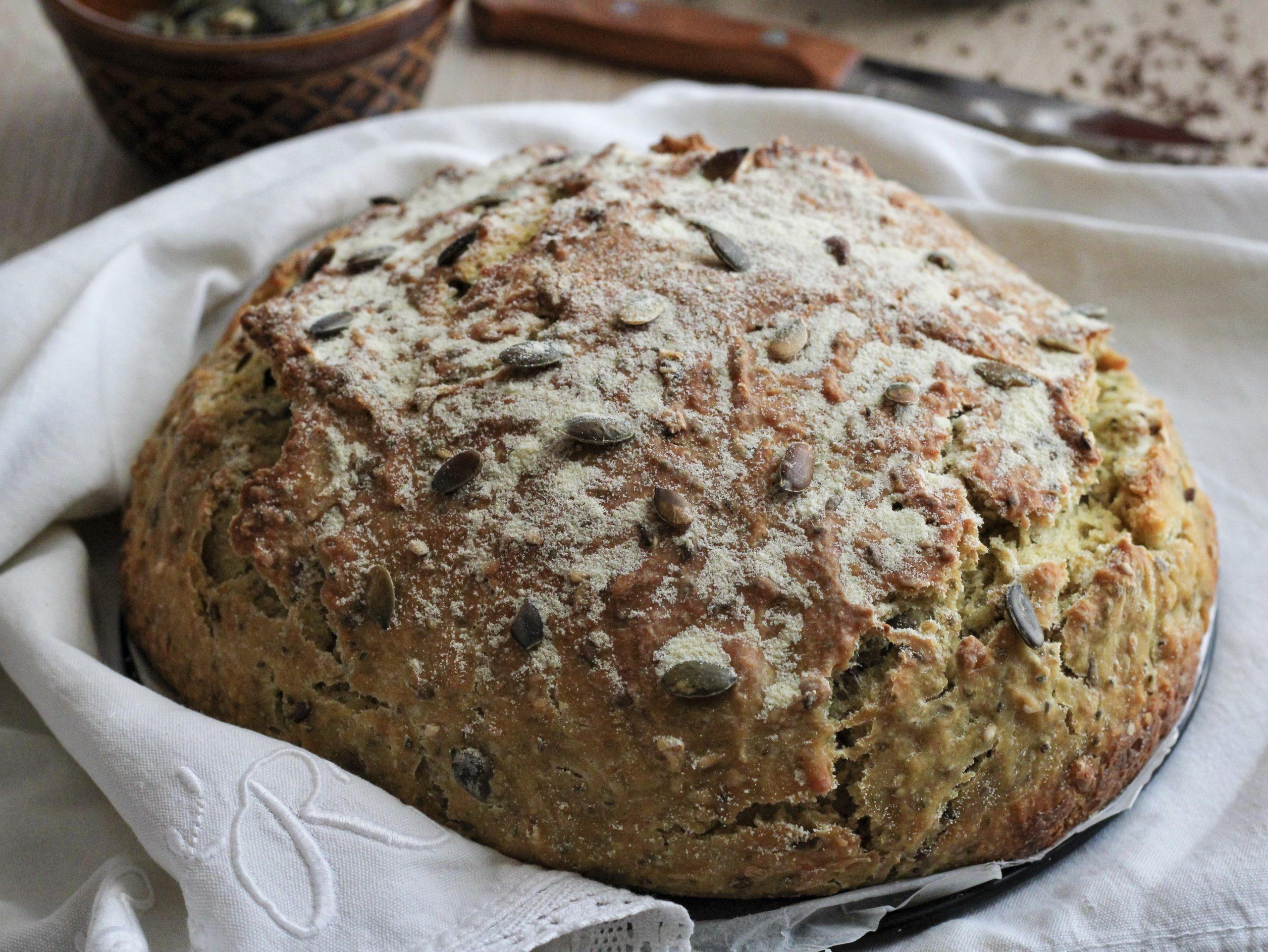 Pane rustico ai cereali e semi