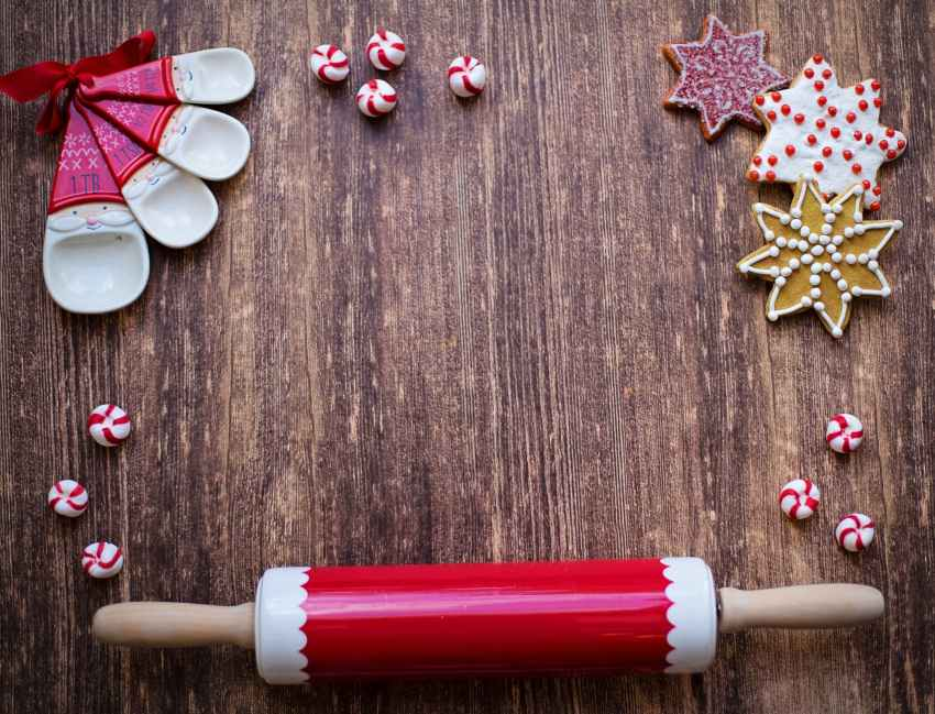 red and white rolling pin