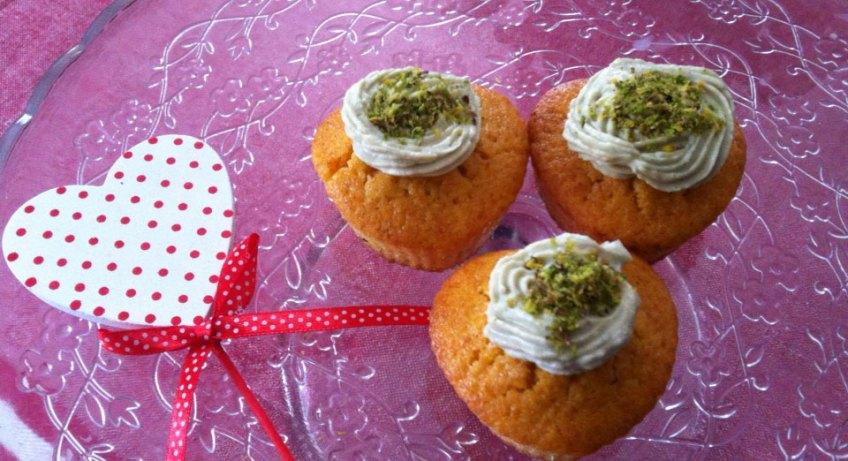 Muffin di carote con crema di pistacchio