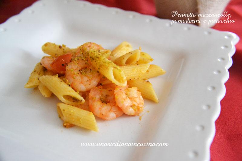 pennette-mazzancolle-pomodorini-pistacchio