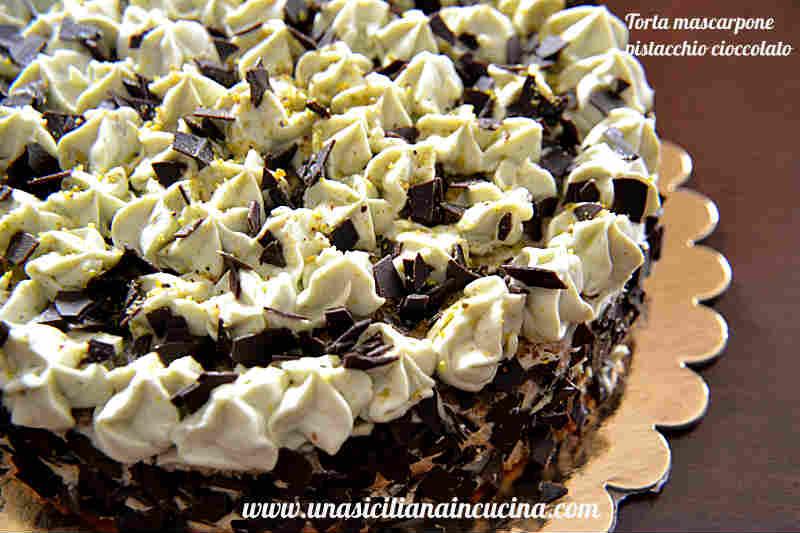 Torta mascarpone pistacchio e cioccolato