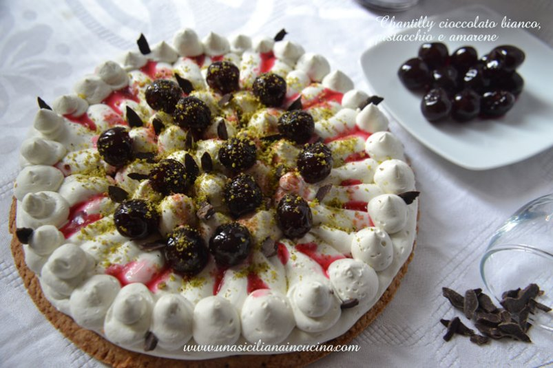 Chantilly-cioccolato-bianco,-pistacchio-amarene1