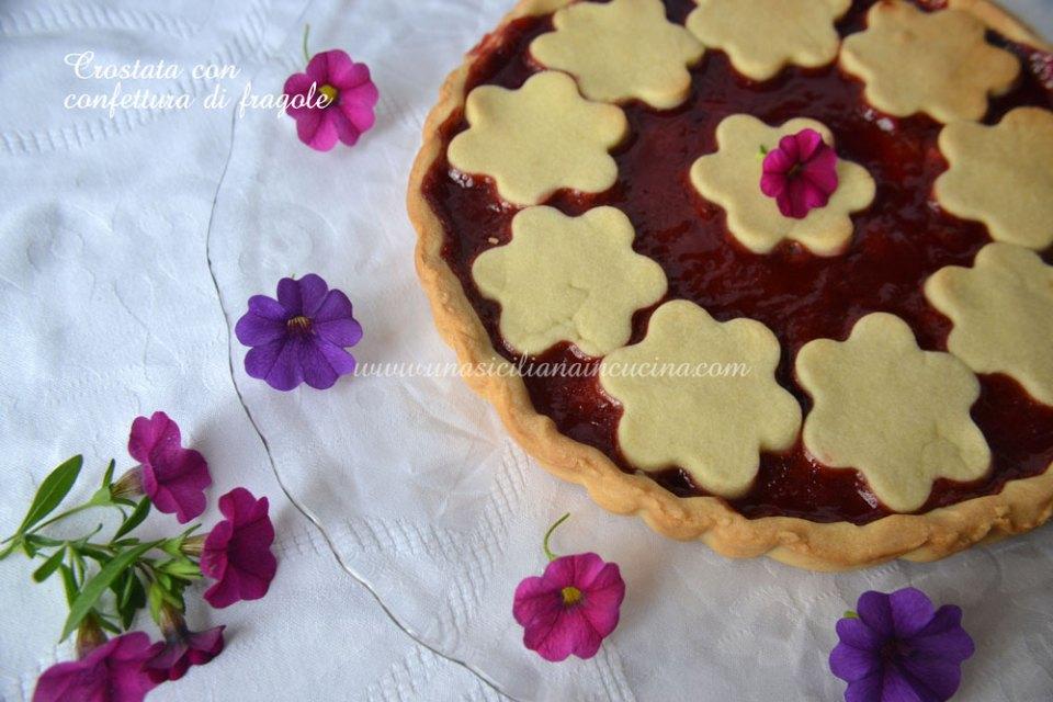 Crostata-con-confettura-di-fragole