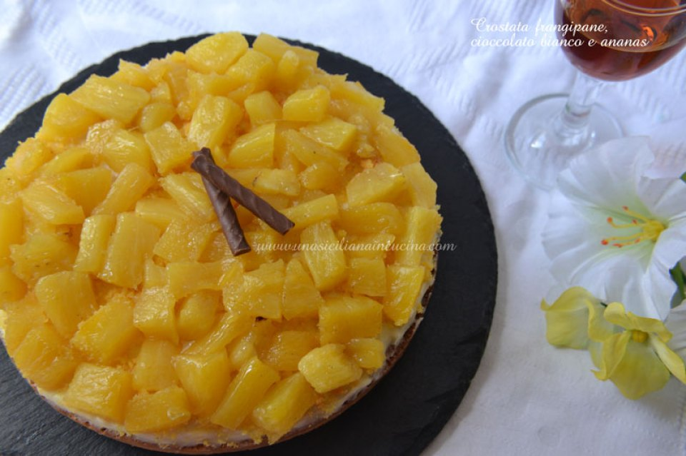 Crostata-frangipane,-cioccolato-bianco-e-ananas-3
