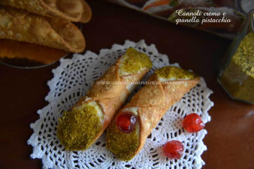 cannoli-crema-e-granella-pistacchio