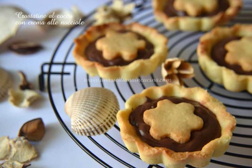 crostatine-al-cocco-con-crema-alle-nocciole