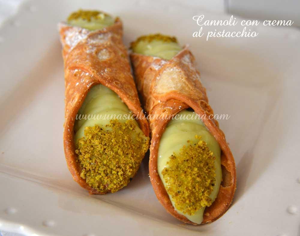 Cannoli con crema pistacchio