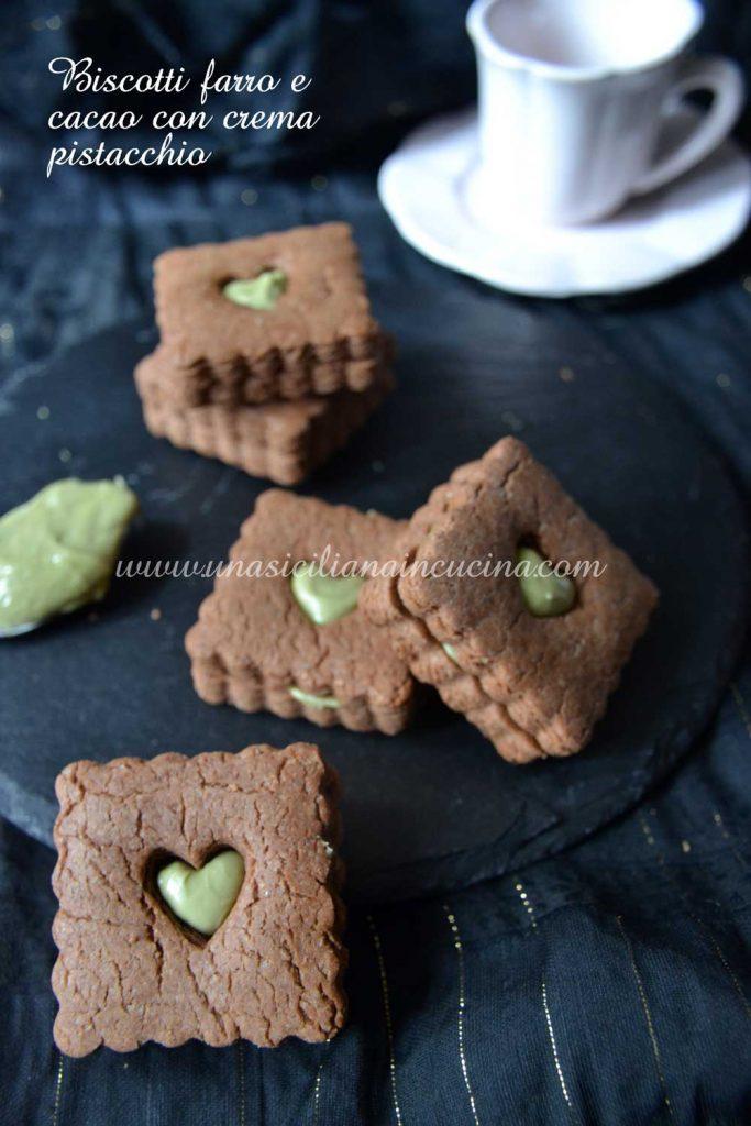 Biscotti-farro-integrale e-cacao-con-crema-pistacchio