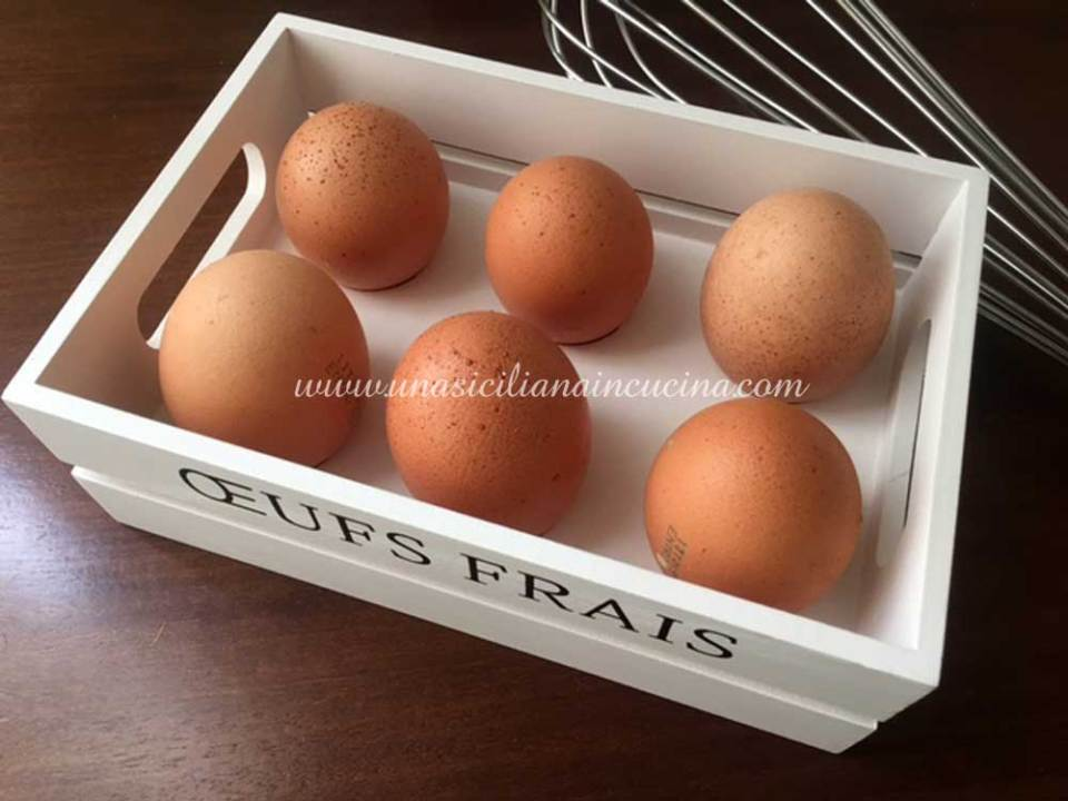 Le uova in pasticceria
