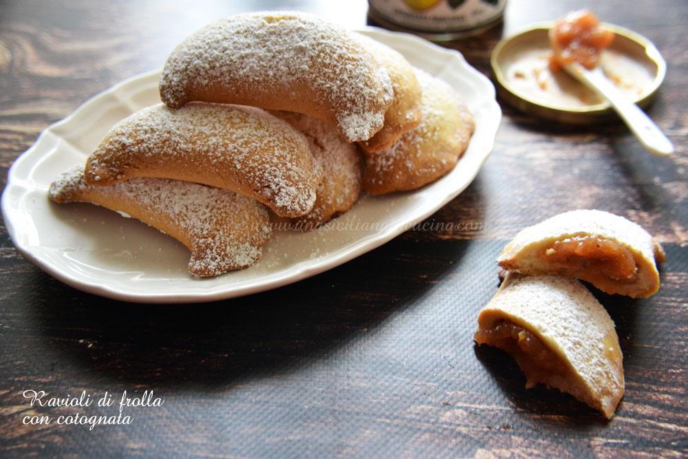 Ravioli dolci di frolla con cotognata