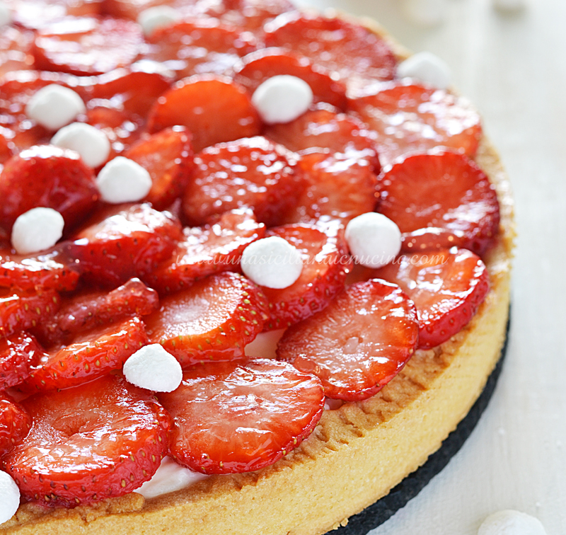 Crostata crema yogurt e fragole