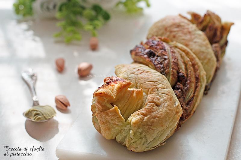 Treccia di sfoglia al pistacchio