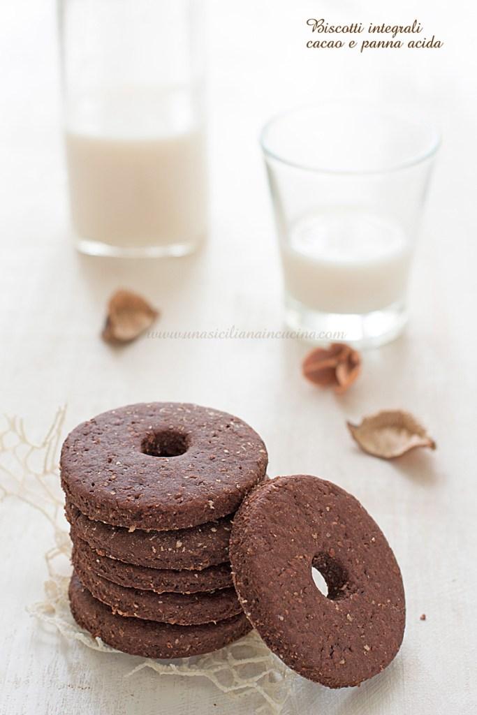 Biscotti integrali cacao e panna acida