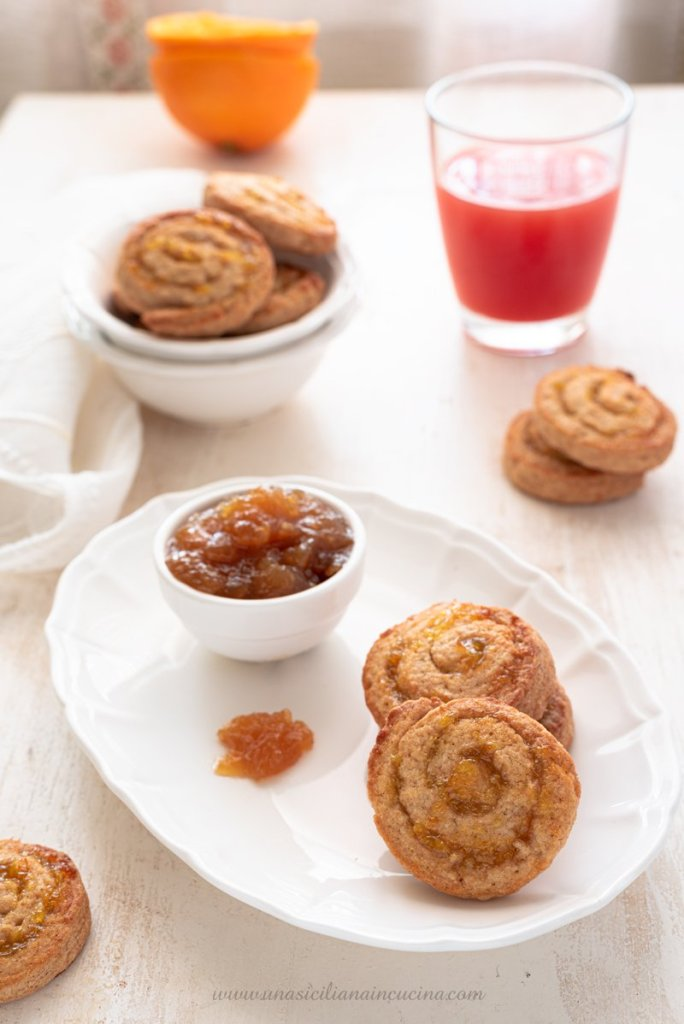 Biscotti girella marmellata arance