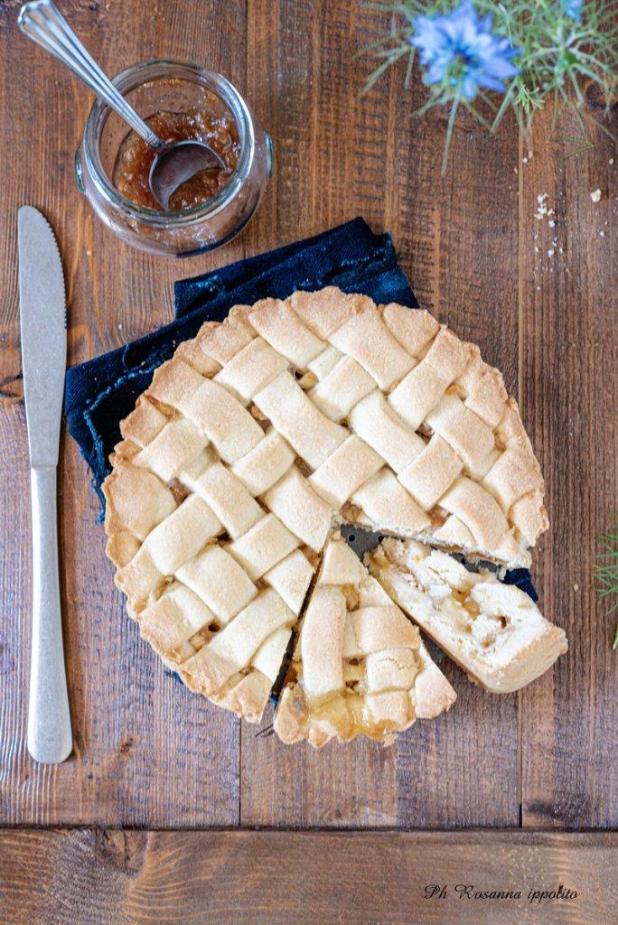 Crostata mele e confettura pesche