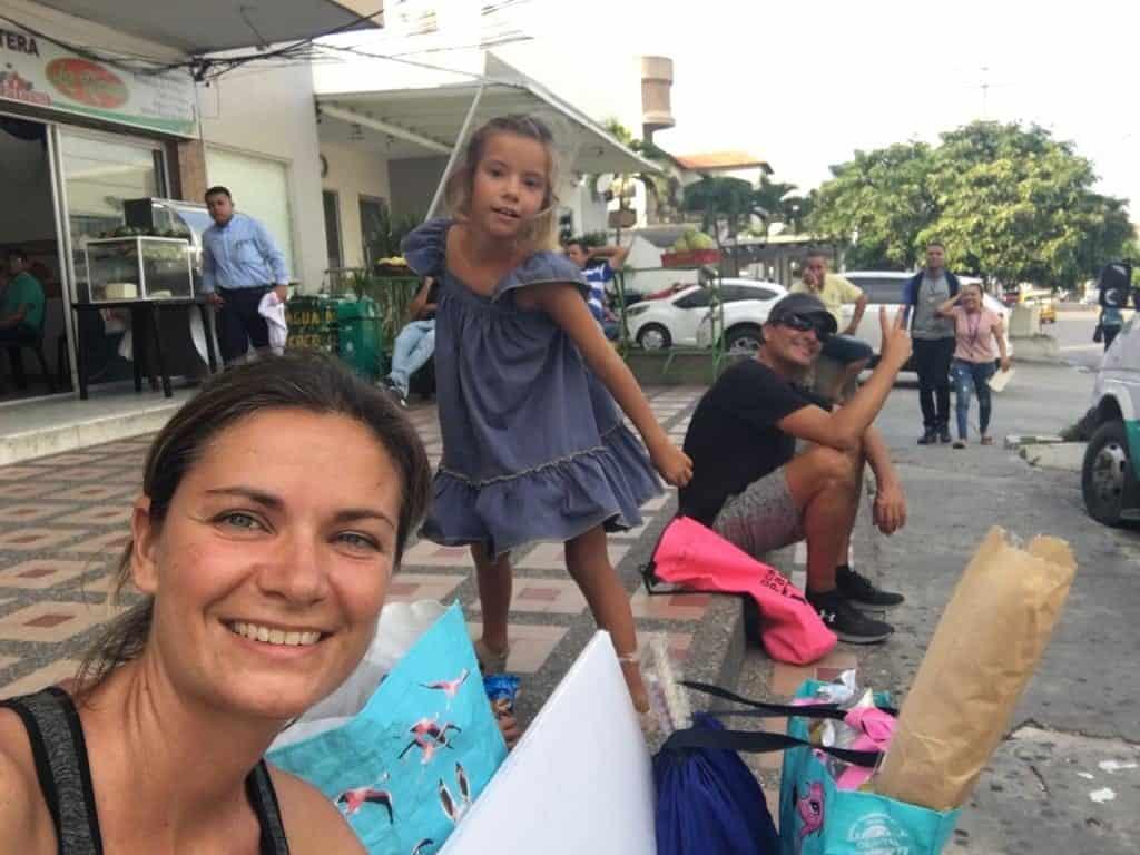 Esperando a la Buseta en Barranquilla.