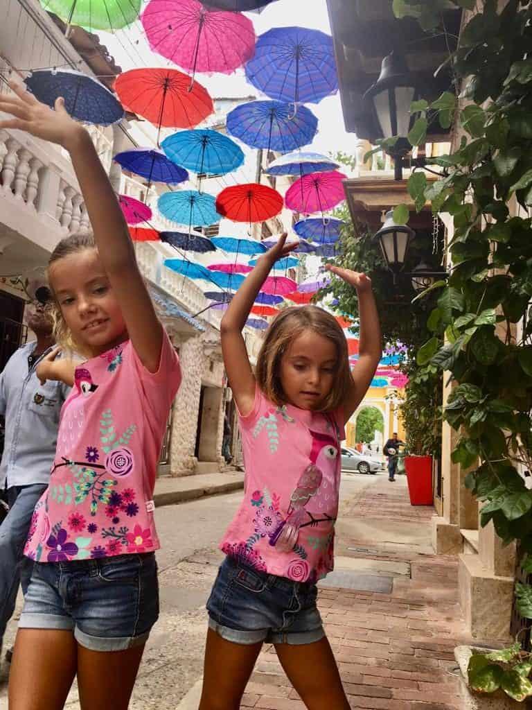 Caminando por el barrio de Getsemani en Cartagena.