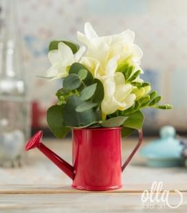 zana-harnica-aranjament-floral-pe-suport-de-stropitoare